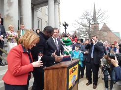 Ortiz with Governor Maggie Hassan and NH Lottery Executive Charlie McIntire